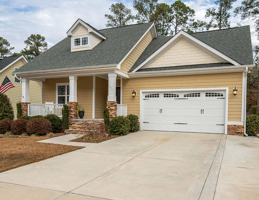 595 Legacy Lakes Way in Aberdeen, NC (Currently Rented)